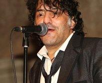 Dünyaca ünlü şarkıcı hayatını kaybetti!