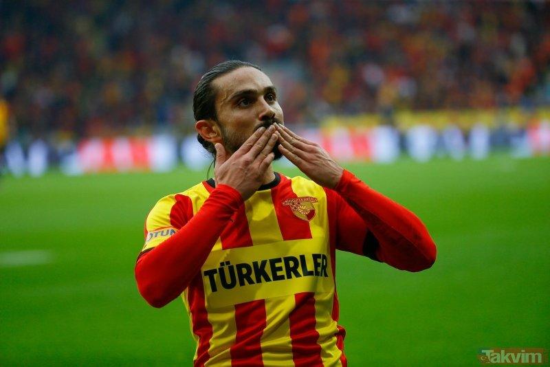 Galatasaray Halil Akbunar'ın peşini bırakmıyor! Transfer teklifi ortaya çıktı