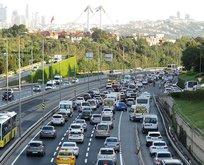İlk mesai gününde trafik yoğunluğu