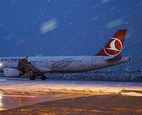 İstanbul'da kar yağışı uçak seferlerini aksatmadı