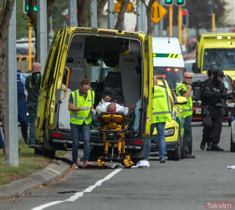Yeni Zelanda'da camiye korkunç saldırı! Kan donduran görüntüler