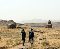 Medeniyetler Beşiği Ani Örenyeri ziyaretçi akınına uğruyor