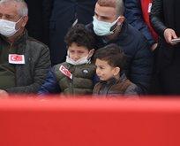 Şehidin naaşı Trabzon'a uğurlandı! Dikkat çeken kare