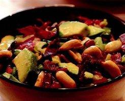 Pastırmalı Avokado Salatası Tarifi