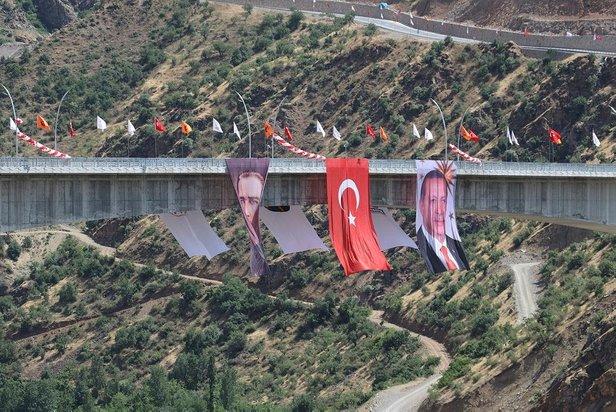 Başkan Erdoğan'dan Botan Çayı Beğendik Köprüsü Açılış Töreni'nde ...