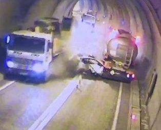Artvin'de hatalı sollama facia getirdi! Otomobil tankerle vinç arasında sıkıştı: 3 yaralı