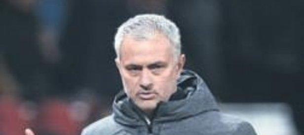 Mourinho: 3 yıl daha United'da kalacağım