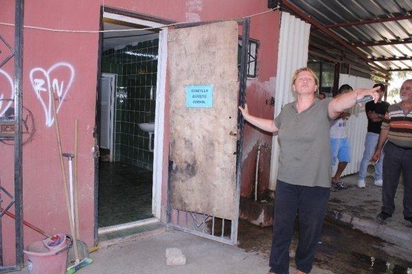 Bayraklı : İzmir'de Esnaflar Tuvalet Zammına İsyan Etti