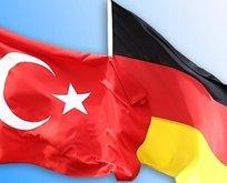 Almanya 4 FETÖ mensubu askere iltica hakkı verdi