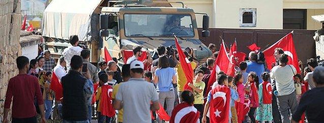 Sınırda askere destek yürüyüşü