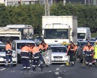 İstanbul'u kilitleyen zincirleme kaza!