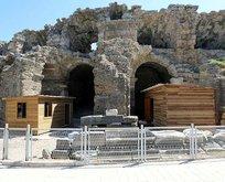 Antalya Side Antik Tiyatro'da tuvalet skandalı