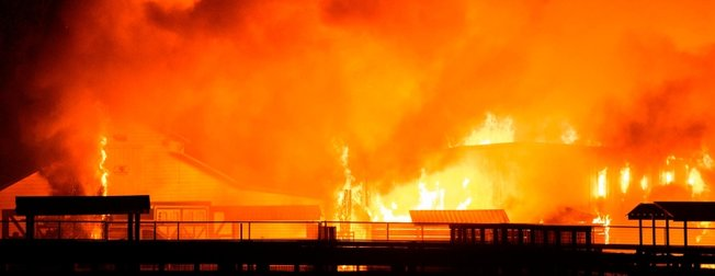 California'daki yangın LeBron James'i de vurdu