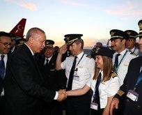Erdoğandan havalimanı çalışanlarına baklava ikramı