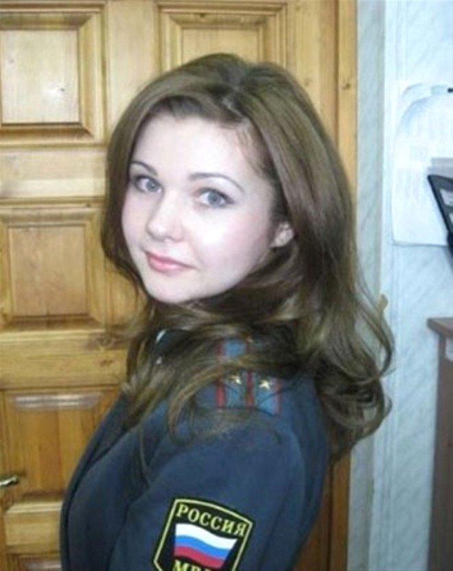 Rusyanın ezberbozan polisleri! Sosyal medyayı salladılar