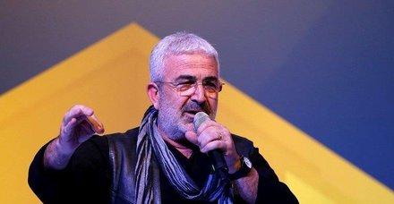 Sanatçı Esat Kabaklı hastaneden taburcu oldu
