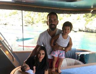 Arda Turan ve eşi Aslıhan Doğan Turan üçüncü çocuk için doktor izni bekliyor!