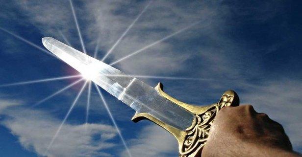 Rüyada kılıçla savaşma ne anlama gelir? Rüyada kılıç görmenin tabirleri...