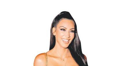 Sözde Ermeni soykırımını tanıdığını belirten Kim Kardashian çark etti! Türk mayosu giydi