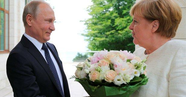 Merkel ile Putin görüştü