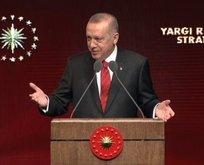 Başkan Erdoğan'dan avukatlara yeşil pasaport müjdesi
