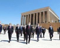 Başkan Erdoğan ve YAŞ üyeleri Anıtkabir'i ziyaret etti