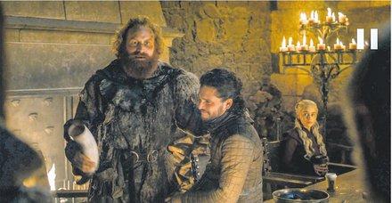Game of reklam! Game of Thrones'ta bir sahneden yer alan Starbucks bardağı gündem oldu
