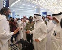 Yurt dışından gelen ilk umre grubu Suudi Arabistan'a ulaştı