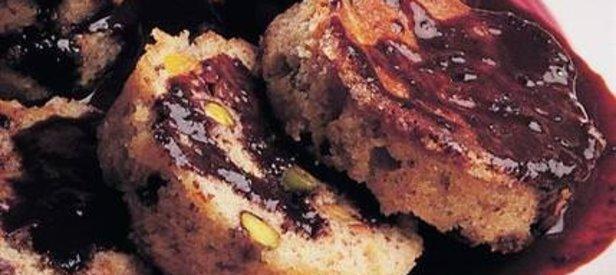 Çikolata Soslu Fıstıklı Kek Tarifi