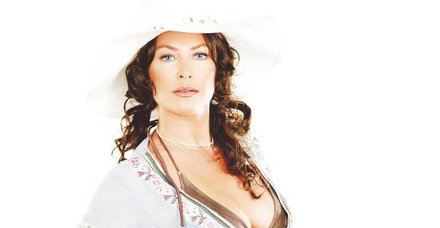 Hülya Avşar'ın rol aldığı reklam filmi satışları patlattı