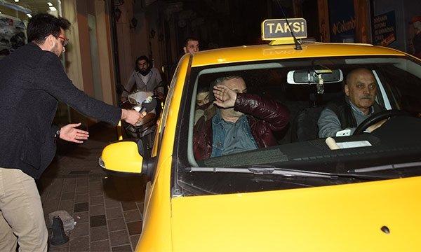 Hazar Ergüçlü sevgilisi Onur Ünlü'den ayrıldı!
