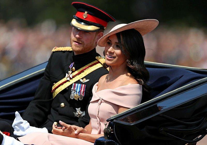 Prens Harry ve Meghan Markle balayından döndü!