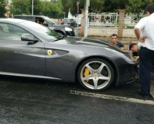 Milyon liralık Ferrari böyle mahsur kaldı