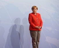 Merkel'i korku sardı! 'Kapıları açarız' dedik ton yumuşattı
