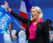 Macron'un küstah sözlerine Le Pen'den destek geldi!