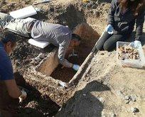 Yol çalışmaları sırasında 2 bin yıllık lahit bulundu