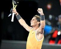 Tsitsipas'ı yenen Nadal adını finale yazdırdı