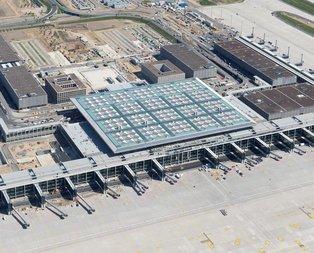 Berlin Havalimanının açılışı yine ertelendi