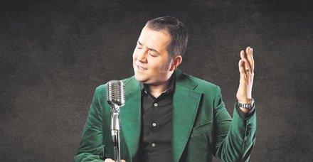 Komedyenler Ata Demirer ve Şafak Sezer, Yaşar Gaga'nın anısına hazırlanan 'Alakasız Şarkılar Vol 2' albümünde buluştu