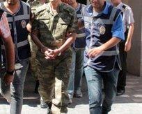35 asker hakkında FETÖden gözaltı kararı