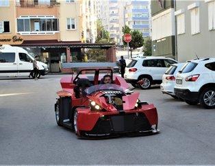 Emekli maaşıyla 6 ayda yaptı 300 bin liraya satıyor! Gören Ferrari sanıyor