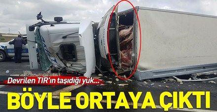 Son dakika: Kuzey Marmara Otoyolu'nda et yüklü TIR devrildi
