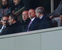 Başkan Erdoğan tribünden takip etti