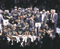 NBA'de şampiyon Warriors