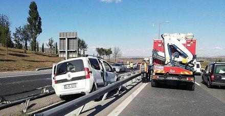 TEMde feci kaza! Trafik felç! (İstanbul güncel yol durumu)