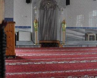 Kıblesi yanlış caminin imamı da ayrıldı