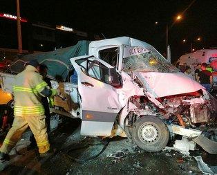 İzmir'de zincirleme trafik kazası! Yaralılar var