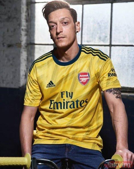 Mesut Özil'in son hali ağızları açık bıraktı! Adı sık sık Fenerbahçe ile anılıyordu...