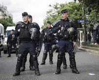 Fransa sınır polisinden skandal mesaj