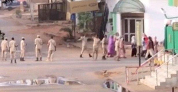 Sudan'da ordu darbe karşıtı göstericilere müdahale etti